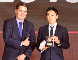 Momota, Huang Are BWF Players of the Year